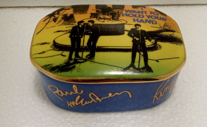 "The Franklin Mint "" I want to hold your hand"" - The Franklin Mint - Muziekdoos (1) - Modern - Porselein"