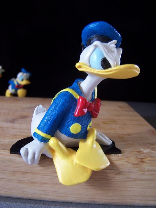 Enesco / Disney 'That's Donald'  - Donald Duck Angry Thoughts pose. - EO (1990)