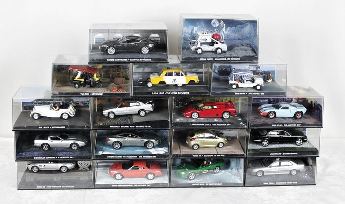 James Bond - 007 - Fabbri - 1:43 - collection of 17 different movie cars