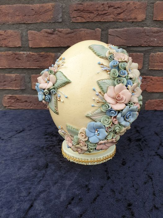ostrich egg richly decorated, hand crafted - Earthenware, egg