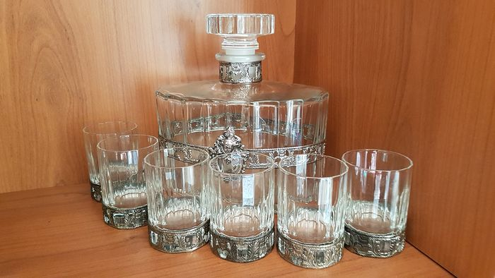 Liquor set: Carf with set of six glasses whiskey (7)