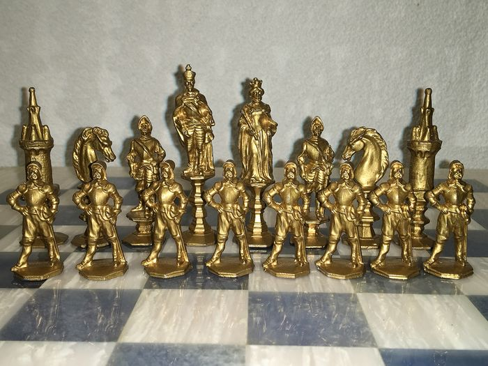 E.G. Zimmermann Hanau Chess pieces, rare and antique - Iron (cast/wrought)