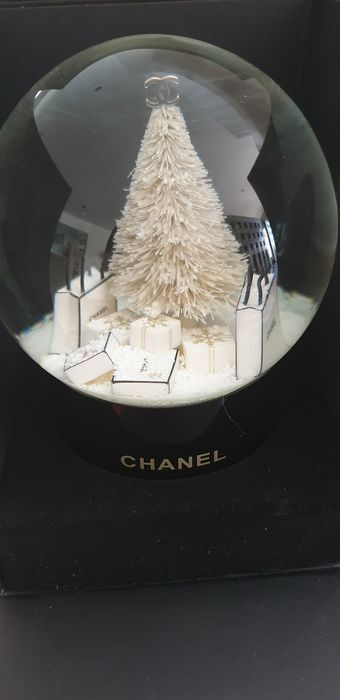 chanel edition noel  - Sneeuwbol CHANEL KERSTBOOM (globe) zeldzame collectie (1) - Modern - Glas
