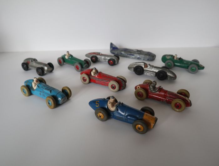 Dinky Toys - 1:43 - ferrari, hotchkiss,cooper-bristol,talbot lago, alfa romeo,maserati,vanwall,speed of the wind etc. - Lot of 10 Dinky toys