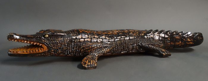 Sepik - Large Crocodile cult sculpture - Wood