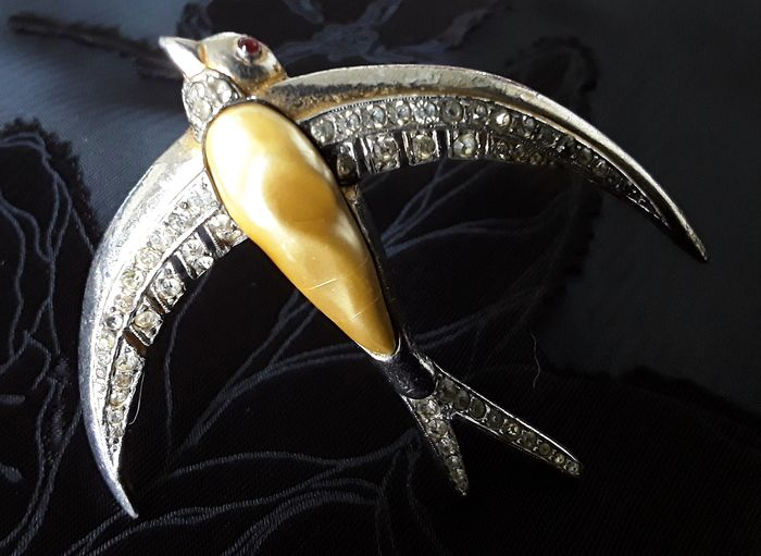TRIFARI Crown ,book piece, pat.nr 119435.Alfred Philippe,1940,XXrare gold& silver plated ,clear crystals,baroque pearl - Brooch