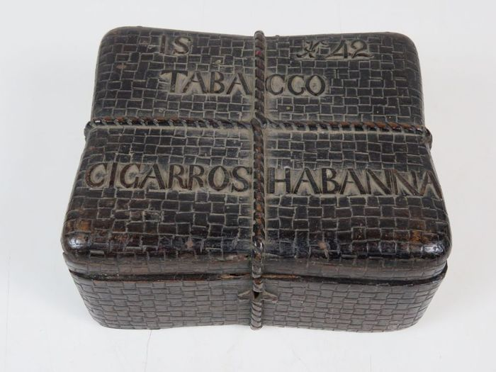 IS H 42 Tabacco Cigarros Habana - cigar box - Part of 1