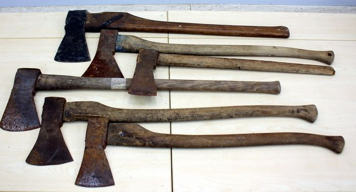 Collection of antique axes (6) - Iron (cast/wrought), wood