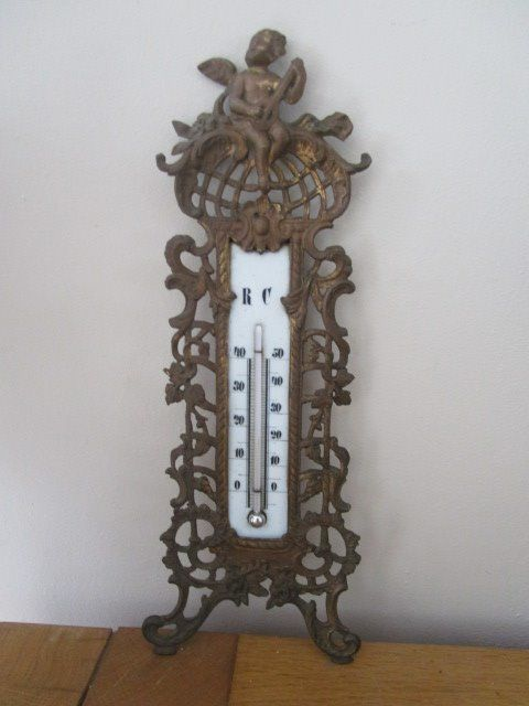 Bronze beautifully decorated thermometer with enamel scale, in working condition. - Bronze