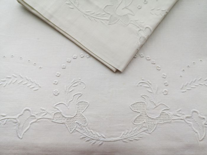 Bed sheet set, top sheet and pillowcase, hand-embroidered Never used.