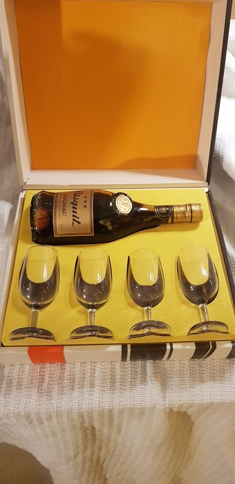 Bisquit - 3 star gift set with 4 glasses - b. 1970s - 0.7 Ltr