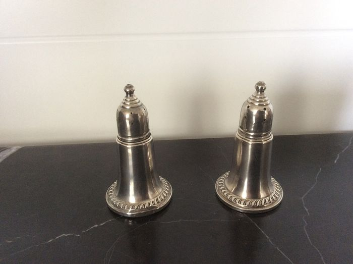 Two Empire Sterling silver spreaders with glass inside (2) - .925 silver