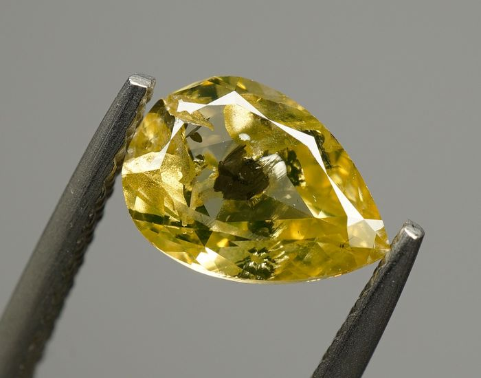 1 pcs Diamond - 1.00 ct - PEAR BRILLIANT  - fancy greenish yellow - I2 - No Reserve