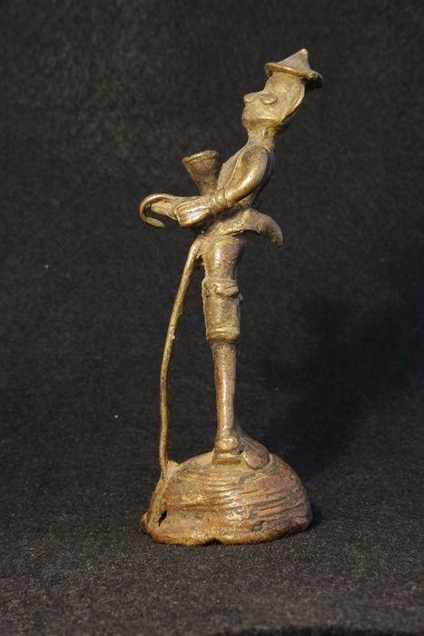 Bastar Bronze Figure of a Man with Knife - Bronze - India - Early 20th century