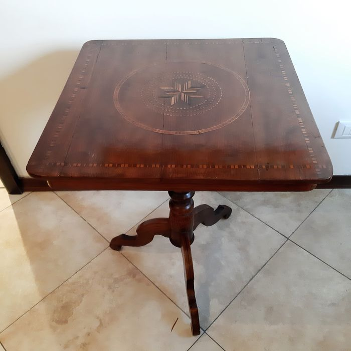 Inlaid service table - Wood- Walnut
