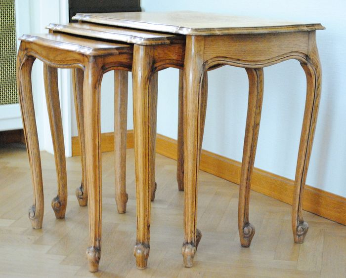 A set of side tables - Wood- Oak
