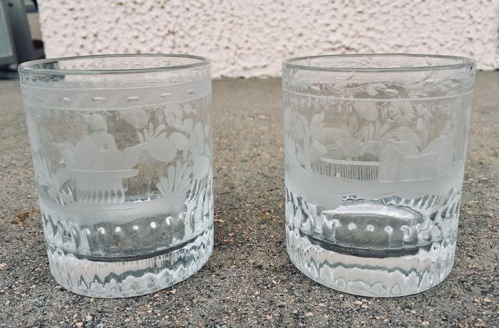 "Pair of Biedermeier ""Della Fortuna"" glasses with decorations (2) - Bohemian crystal"