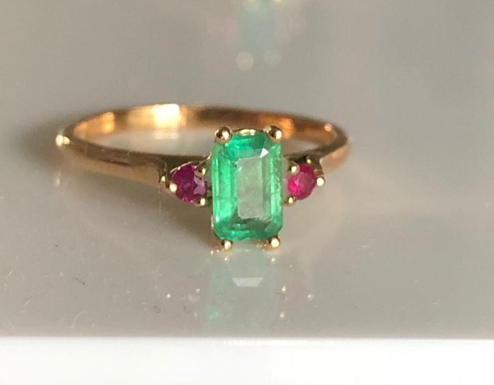 18 kt. Yellow gold - Ring Emerald - Rubys
