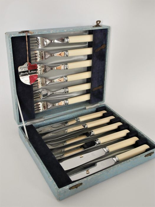 Priestley & Moore - 6-person fish cutlery 12-piece in a pouch - chrome-plated with simulated ivory