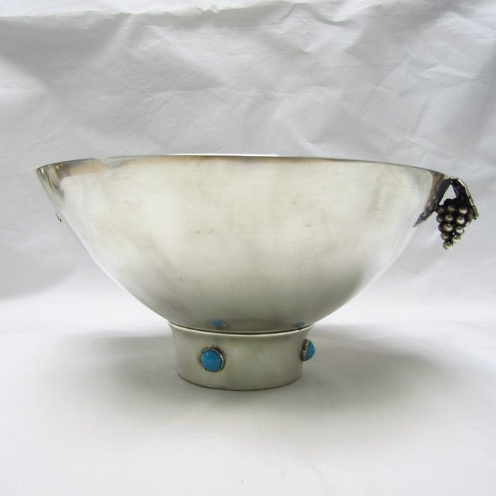 Fruit bowl - .915 silver - 350 gr. - Spain - First half 20th century