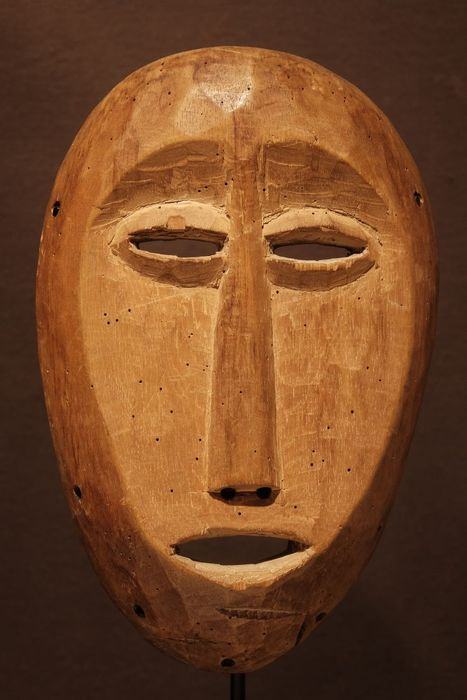 Mask - Wood - Provenance Donald Taitt - lega - Congo DRC