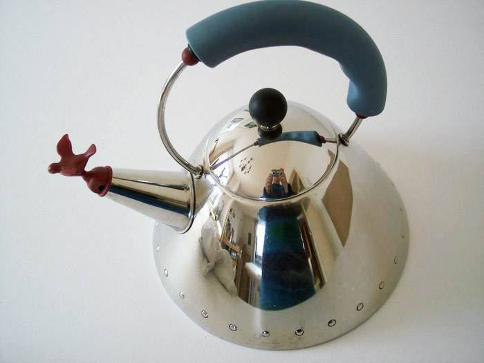 Michael Graves - Alessi - Whistling kettle 9093