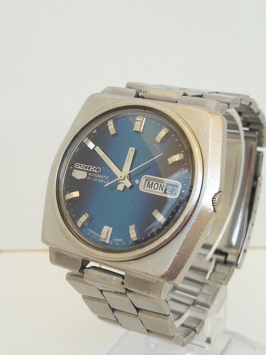 Seiko - Oversize Blue Dial Day/Date - 6119-7510 - Men - 1970-1979