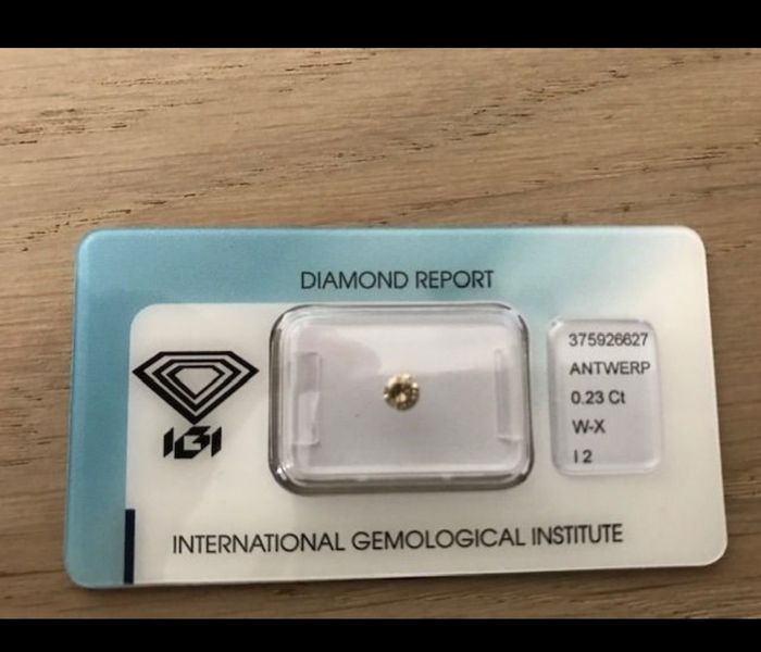 1 pcs Diamond - 0.23 ct - Round - W-X, brown - I2