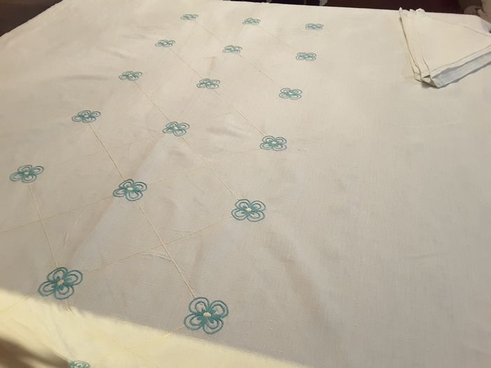 tablecloth with napkins (7) - antique linen - 1950/1960