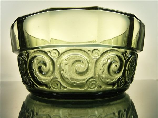 "Val Saint Lambert - Charles Graffart heavy coupe ""rosette"" - Glass"