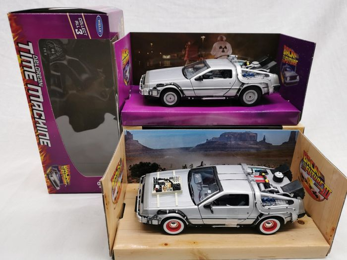 "Back to the Future - Welly - 1:24 - Vehicle 2 models - DeLorean Time Machine ""Back to the Future"" Part I & Part III"