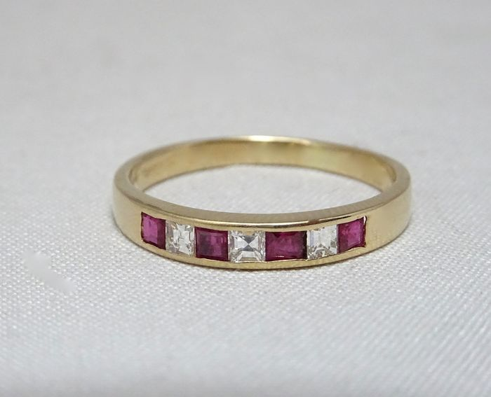18 kt. Yellow gold - Ring - 0.20 ct Ruby - Diamond