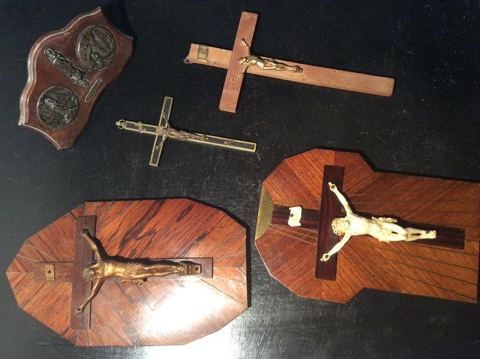 Crucify and plate our heavy lady. (5) - Wood- Mahogany, Rosewood, Bronze and others.
