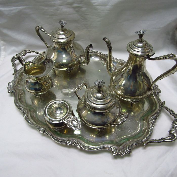 Coffee and tea service - .915 silver - 2.700 gr. - Spain - First half 20th century