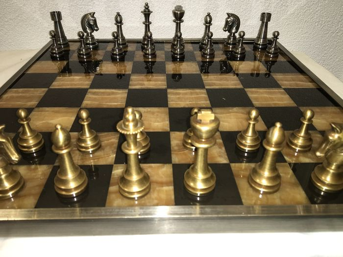 Magnificent Staunton Chess game with beautiful Chessboard - Brass, Marble