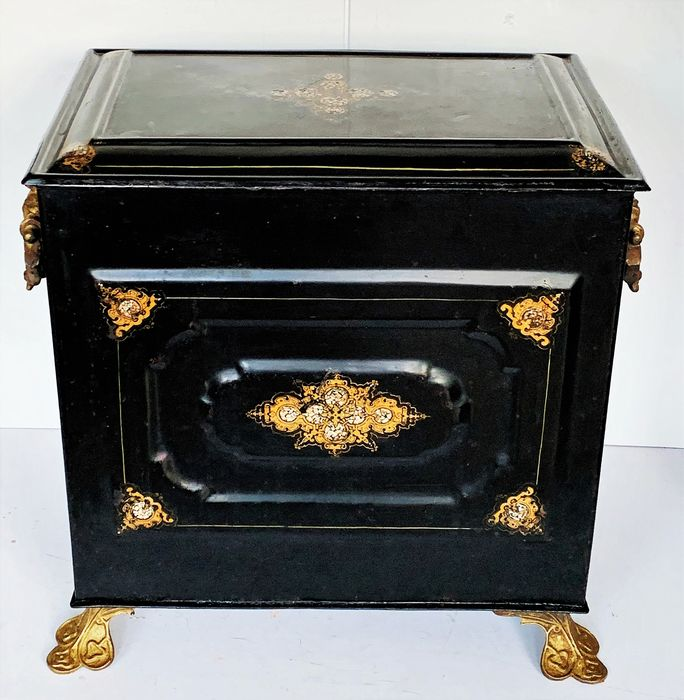 Large format Amsterdam Peat Box with pearly intarsia - Iron (cast/wrought), Mother of pearl - 1840-1870