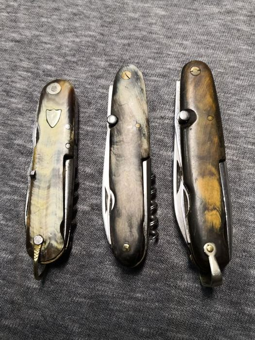 Lot of 3 multi-purpose knives - Metal and horn