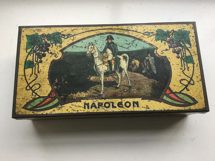 Nederlandse blikfabriek Weduwe Bekkers, Dordrecht - Antique cigar tin with Napoleon Bonaparte (1) - Art Nouveau - Metal can, with paper export advertising