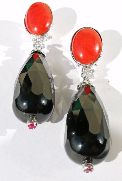18 kt. Gold, White gold - Earrings Red coral - Diamonds