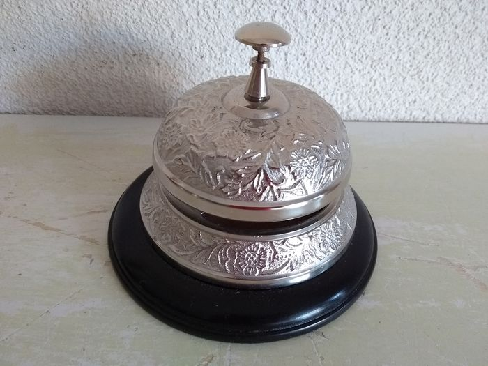 Hotel bell counter bell - silver-plated on wood, large model - Silverplate