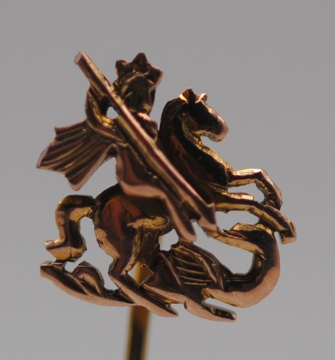 9K Yellow gold - St George Slaying the Dragon Stickpin