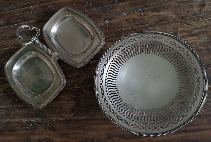 Assorted lot of footed serving tray / fruit bowl and Double serving tray dish with ornate handle - Silverplate