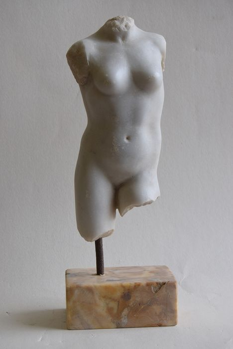 Sculpture - Neoclassical - Marble - Second half 20th century