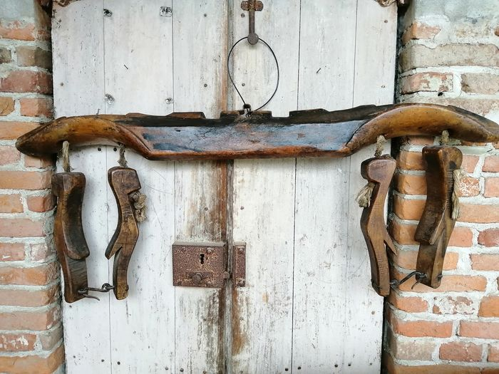 Ancient yoke for draft animals dating back to the early 1800s - Wood