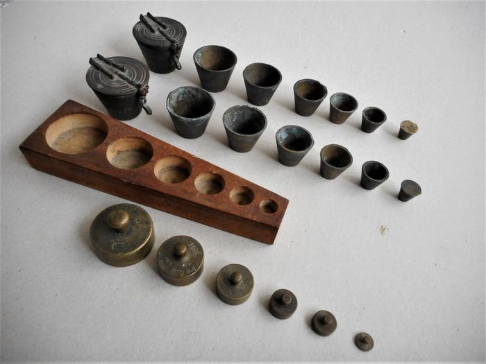 Antique closing weights - Weights (3) - Copper