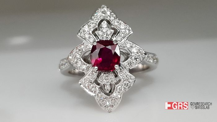 18 kt. White gold - Ring - 1.12 ct Ruby - Diamond, GRS CERTIFIED