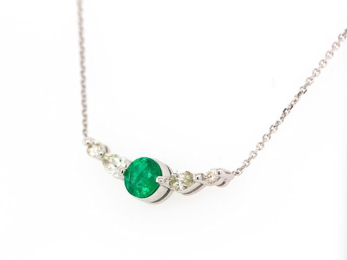 14 kt. White gold - Necklace with pendant - 0.34 ct Emerald - Diamonds
