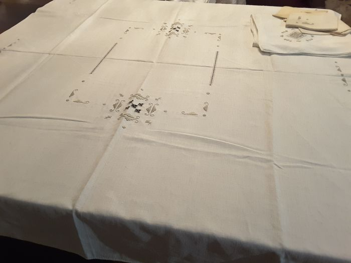 tablecloths and napkins (8) - Linen - 1980/1990