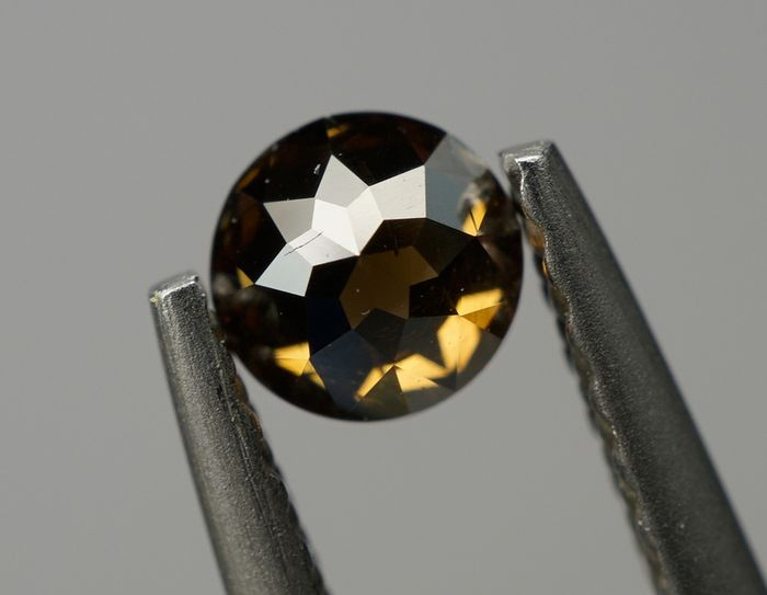 2 pcs Diamonds - 0.62 ct - (0.38 - 0.25) - Round. Variation  - fancy deep orangy brown - SI-I1 No Reserve