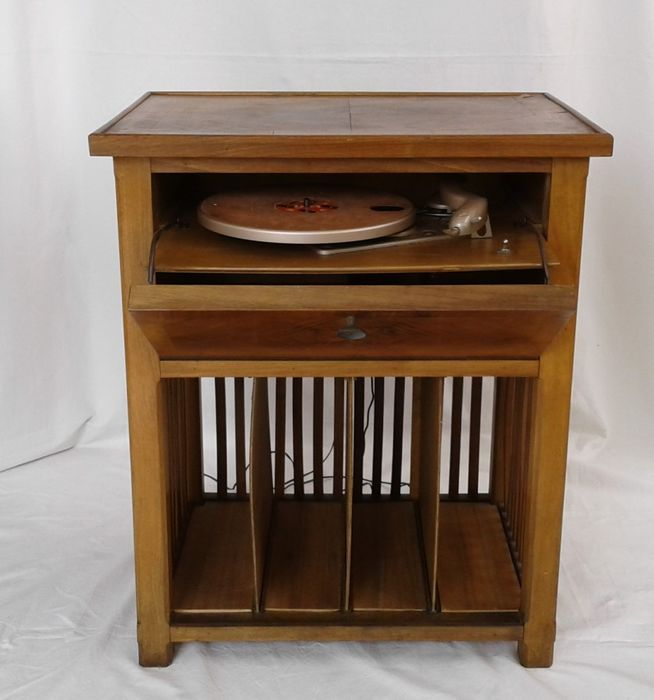 Lesa - Record player without reserve